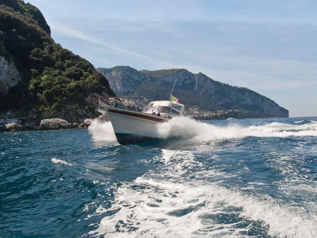 Filì - Aprea 32 | Amalfi Coast private gozzo rental