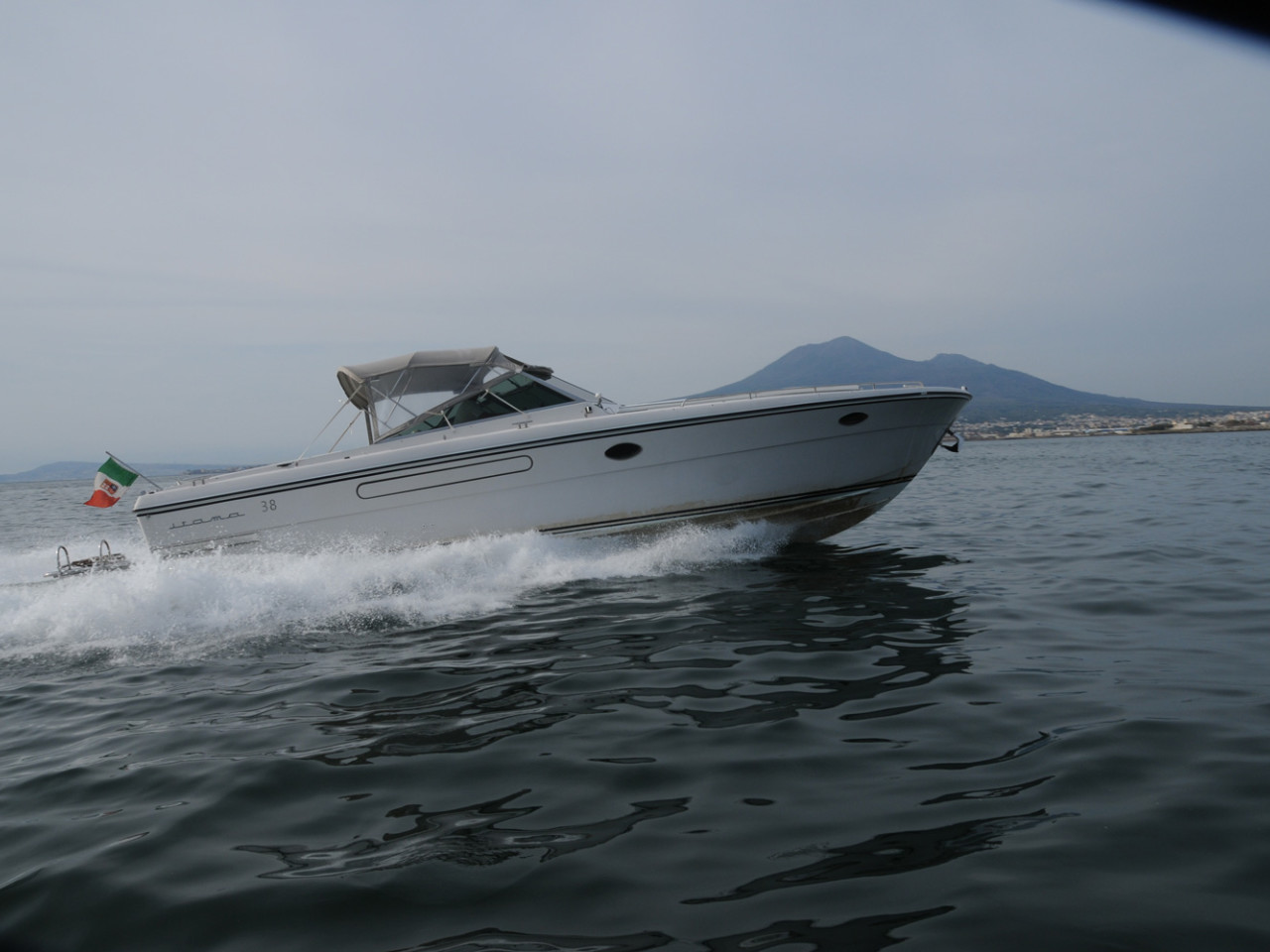 Cuor di Leone Itama 38 | Amalfi coast boat rental