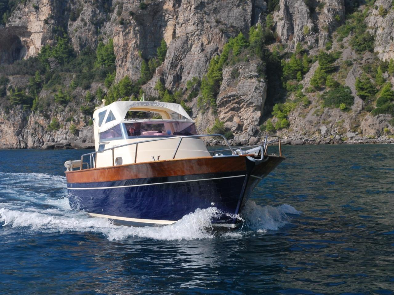 Lupa Gozzo Ieranto 7,50 | Noleggio gozzo privato Costiera Amalfitana